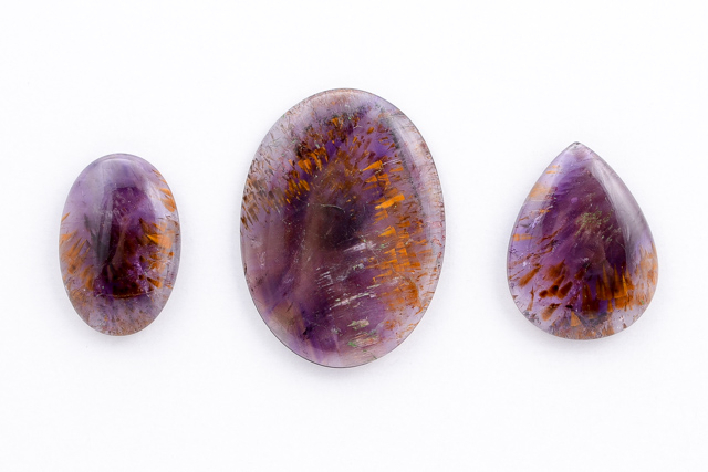 CABOCHONS, Cacoxenite